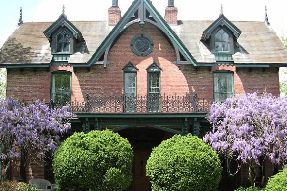 Historic Wysteria House