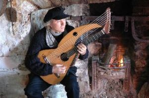 John-Doan-on-aran-isle-with-harp-guitar