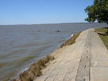 Jamestown Seawall at Fort James